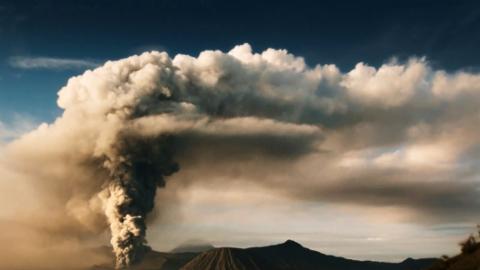 Die Macht der Vulkane: Im Schatten der Feuerberge (2/2)