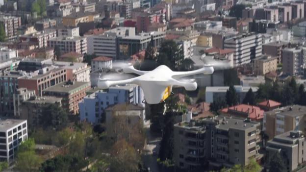 Video «Im Tessin fliegen die Drohnen bereits» abspielen