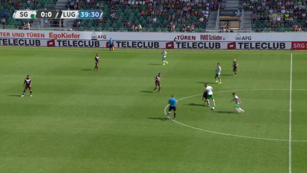 Video «Fussball: Super League, St. Gallen - Lugano, Nicht-Tor Bunjaku» abspielen