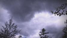 Link öffnet eine Lightbox. Video Wetter - Das Unberechenbare berechnen abspielen