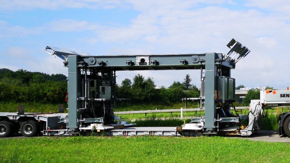 Im Aargau wird die neue Brücke getestet, in Solothurn kommt sie zum ersten Einsatz