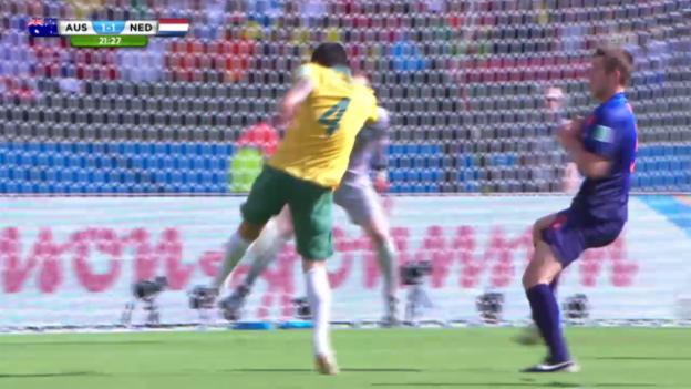 Video «Tim Cahills 1:1 gegen die Niederlande» abspielen