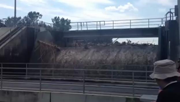 Video «Grosse Wassermassen im Kraftwerk Flumenthal» abspielen