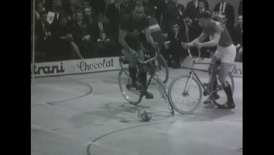 Radballtournier - Olma 1964 (Schweizer Filmwochenschau)