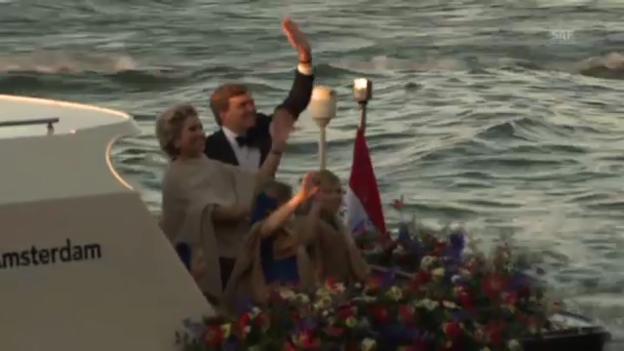 Video «Bootsfahrt der Königsfamilie» abspielen