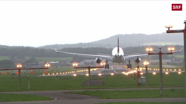 Video «Ungemütliche Landung in Kloten» abspielen