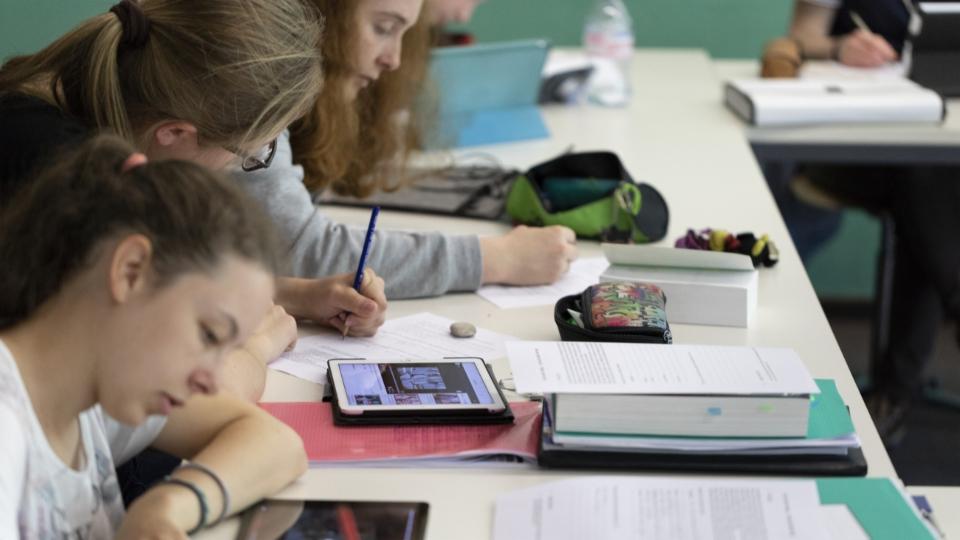 Lehrerinnen- und Lehrerverband setzt auf Digitalisierung an Schulen