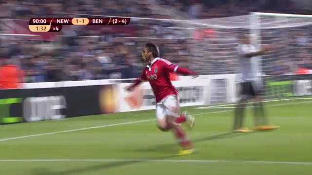 Highlights Newcastle - Benfica