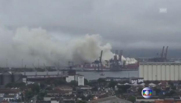 Video «Giftige Gaswolke über brasilianischem Hafen (portugiesisch)» abspielen