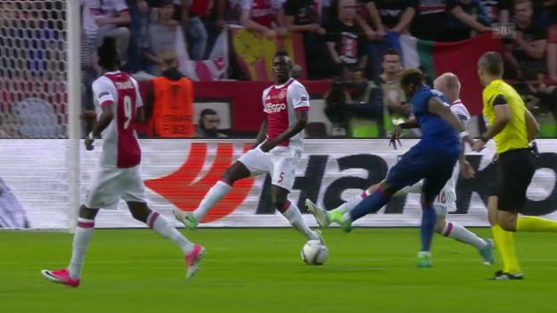 Video «Mit viel Wucht und ein bisschen Glück: Pogbas 1:0 gegen Ajax» abspielen