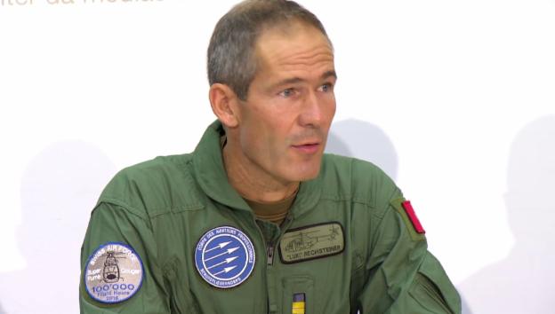 Video «Rechsteiner erklärt das Verfahren bei Aussenlandungen im Gebirge» abspielen