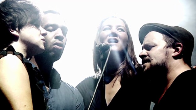 Video «Sophie Hunger «The Rules of Fire»» abspielen