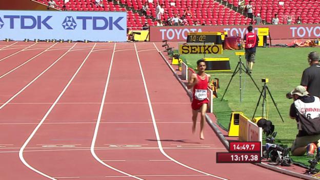 Video «LA: WM in Peking, Vorlauf 5000 m, Abdullah al-Qwaban barfuss» abspielen