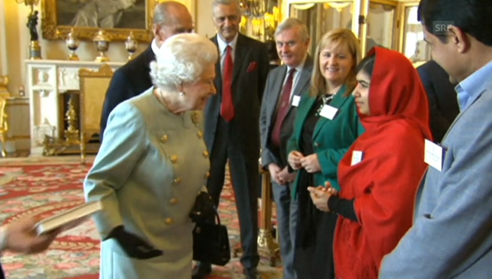 Die Queen empfängt Malala Yousafzai