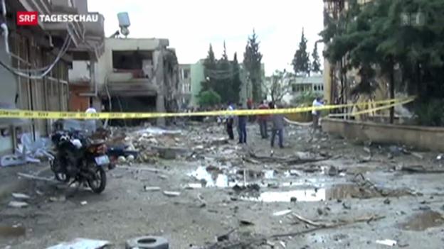 Video «Explosionen in türkischer Grenzstadt» abspielen