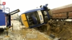 Video «Deutschland: 10 Tote bei Zugunglück» abspielen