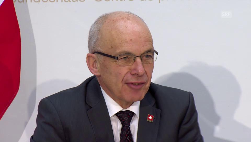 Medienkonferenz mit Finanzminister Ueli Maurer