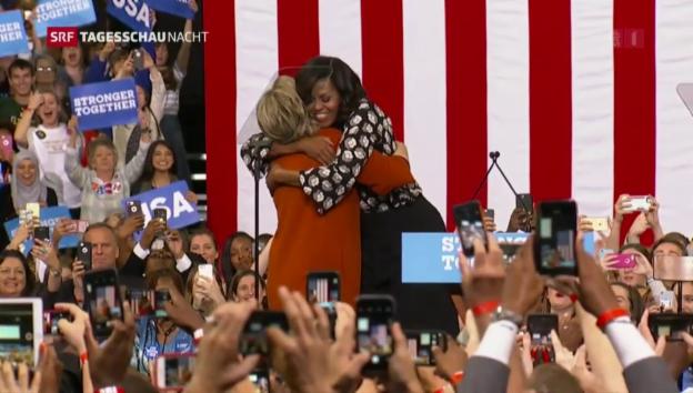 Video «Erster Auftritt von Michelle Obama und Hillary Clinton» abspielen