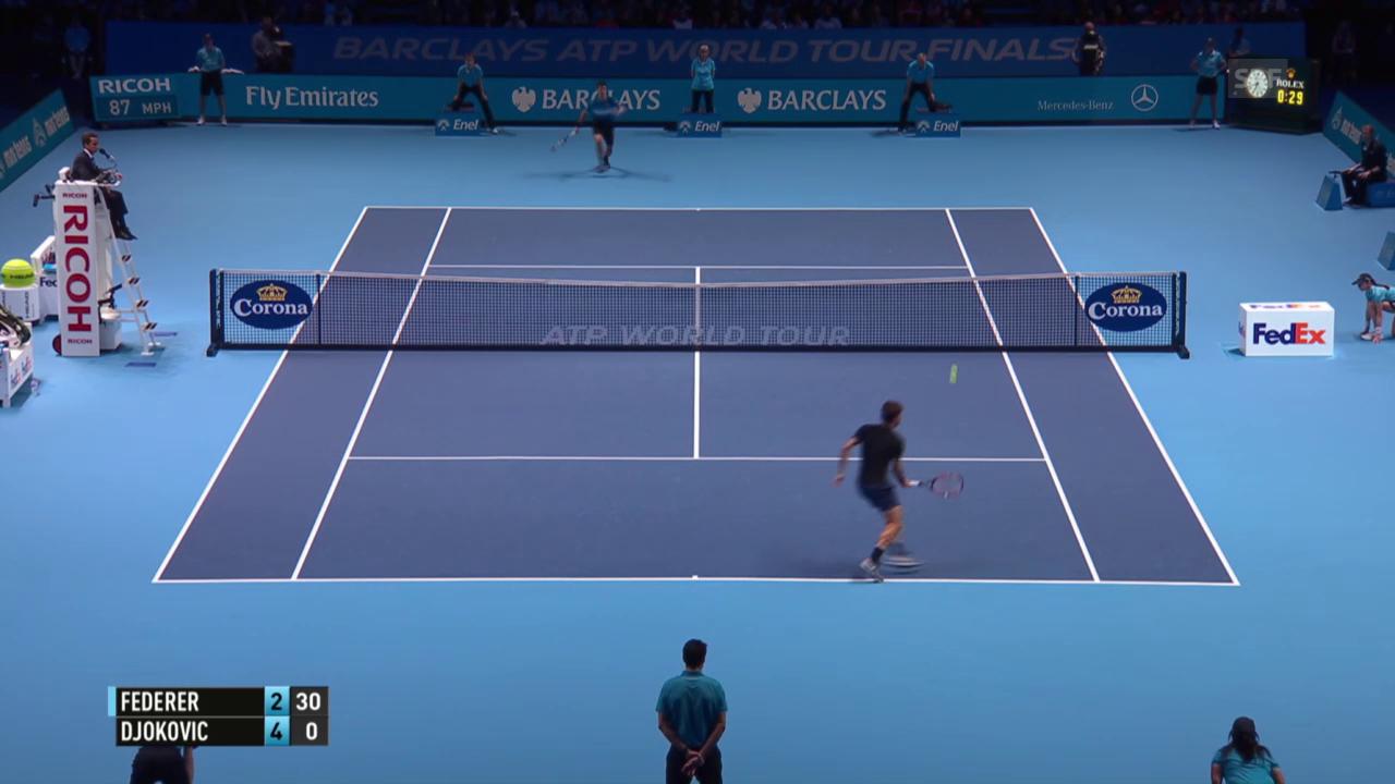 Tennis: ATP Finals 2015, Final Federer - Djokovic, missglückter Stoppball von Federer