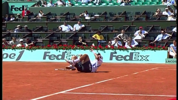 Video «French Open 2006: 1. Duell Nadal - Djokovic» abspielen
