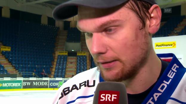 Video «Eishockey: Interview mit ZSC-Goalie Lukas Flüeler» abspielen