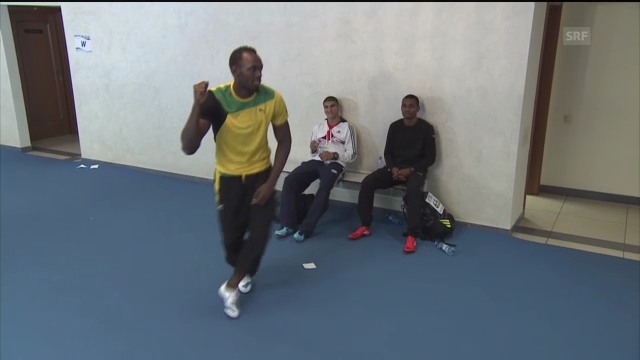 Usain Bolt imitiert Speerwerfer («sportlive»)