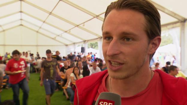Video «Fussball: FCB-Spieler Luca Zuffi zur CL-Auslosung» abspielen