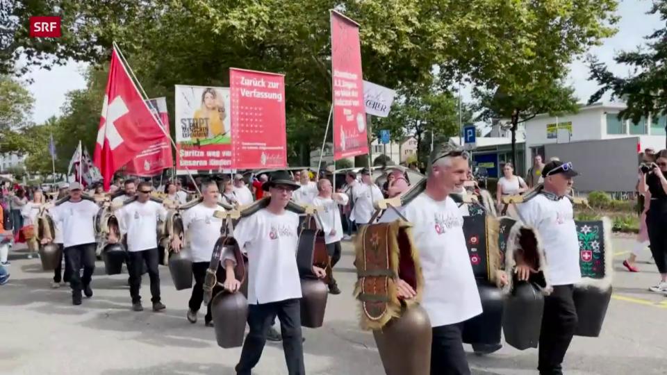 3000 Personen nehmen an Demo in Uster teil