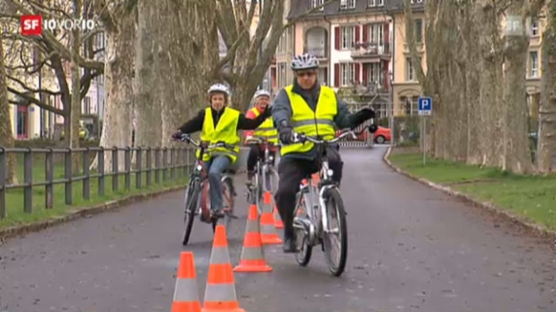 Video «E-Bike-Kurs für Senioren» abspielen