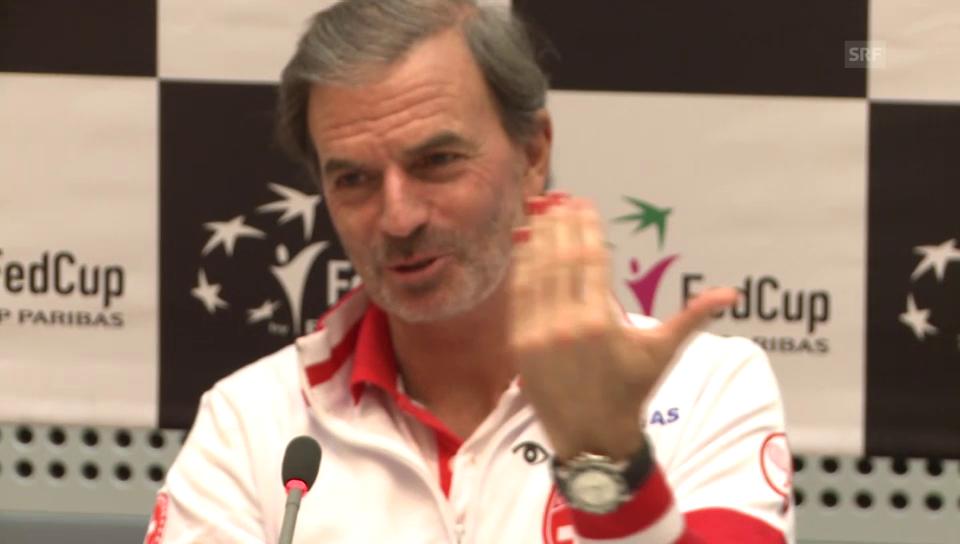 Heinz Günthardt und seine roten Fingernägel