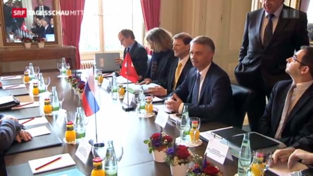 Video «Russischer Aussenminister besucht Burkhalter» abspielen