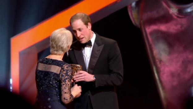 Video «Prinz William ehrt Helen Mirren» abspielen