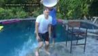 Video «Ashton Kutchers Ice Bucket Challenge (Englischer Originalton)» abspielen