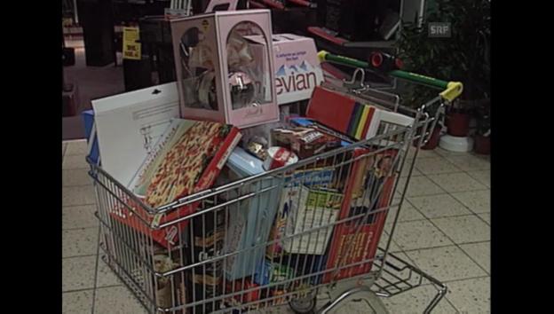 Video «07.04.1992: Überflüssige Verpackung bei Waro» abspielen