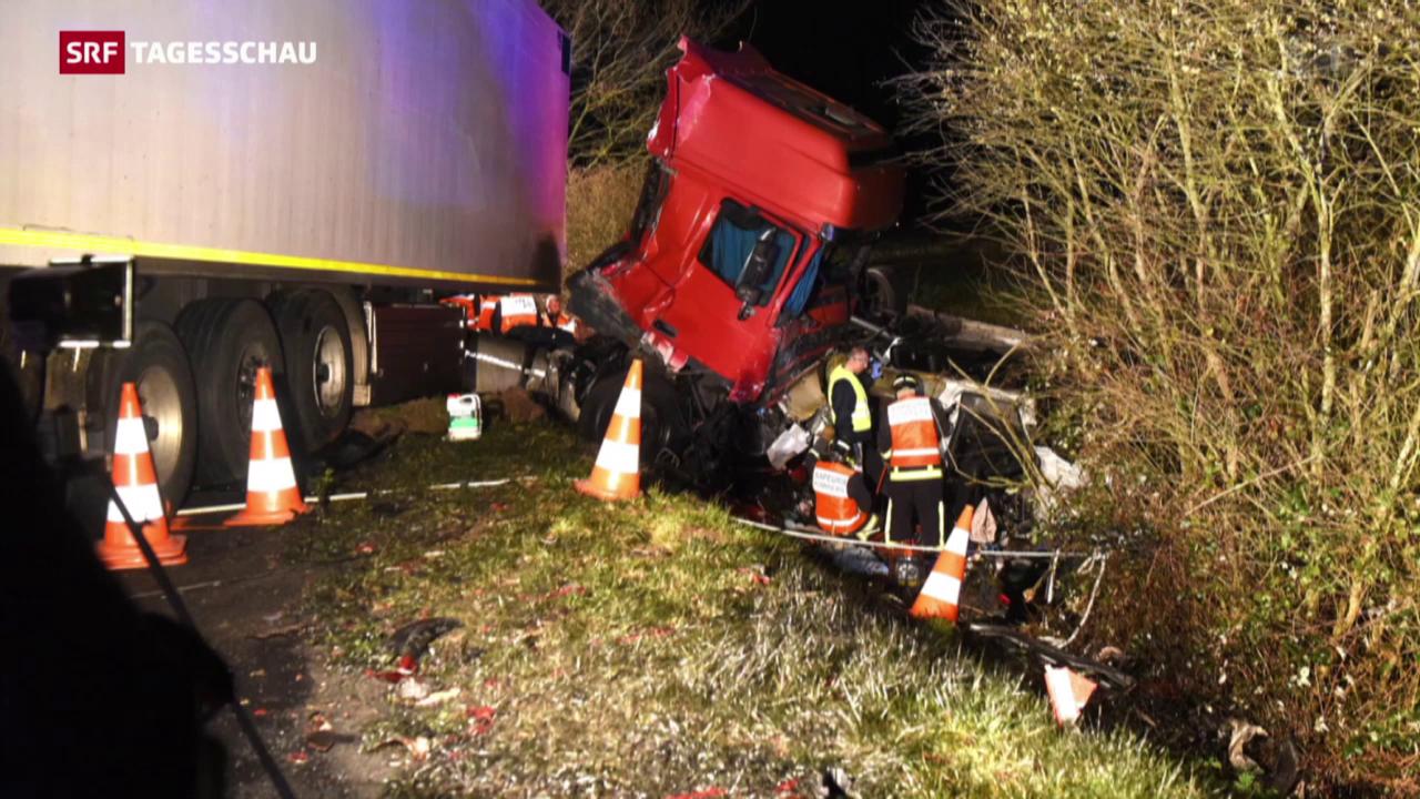 Schweizer Kleinbus in Frankreich verunfallt