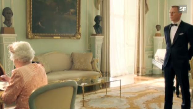 Video «Queen Elisabeth als «Bond Girl» (unkomm.)» abspielen