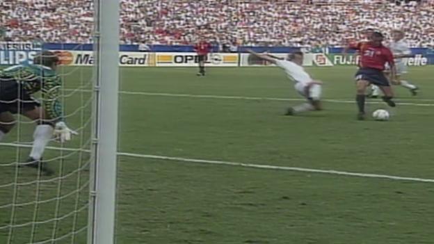 Video «Fussball: Enriques Tor an der WM 94 gegen die Schweiz» abspielen