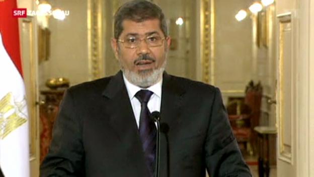 Video «Präsident Mursi ruft in drei Städten den Ausnahmezustand aus» abspielen