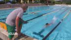 Video «Training der blinden Schwimmerin Chantal Cavin.» abspielen