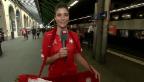 Video «Annina Frey tröstet enttäuschte Fussball-Fans» abspielen