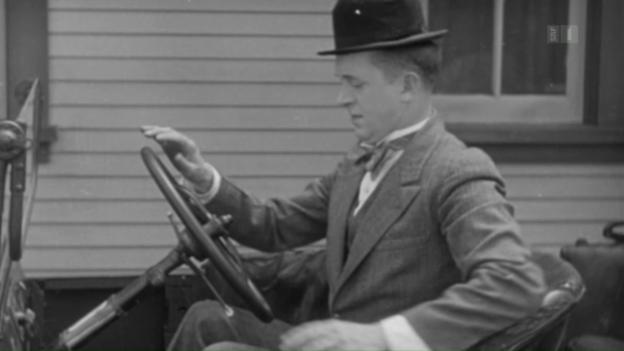 Video «Laurel & Hardy – Die komische Liebesgeschichte von Dick & Doof» abspielen