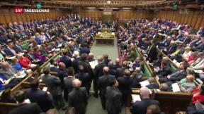 Video «Britisches Parlament stimmt Neuwahlen zu» abspielen