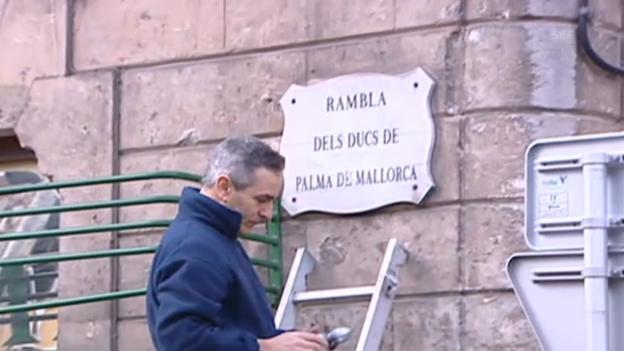 Video «Hier schrauben die Mallorquiner die Strassenschilder ab» abspielen