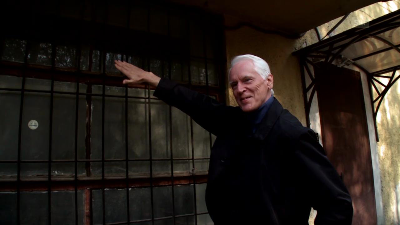 Der Architekt Vsevolod Kulish zu den Fenstern des Kommunenhauses «Narkofin» (aus: Sternstunde Kunst vom 5.10.14)