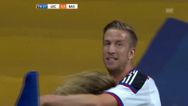 Video «Fussball: CL-Quali, Lech Posen - FC Basel, 2:1 durch Janko» abspielen