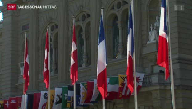 Video «Alle warten auf François Hollande» abspielen