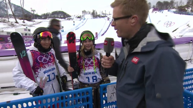 Video «Freestyle Ski: Slopestyle Frauen, Interview Eveline Bhend und Camillia Berra (sotschi direkt, 11.02.2014)» abspielen