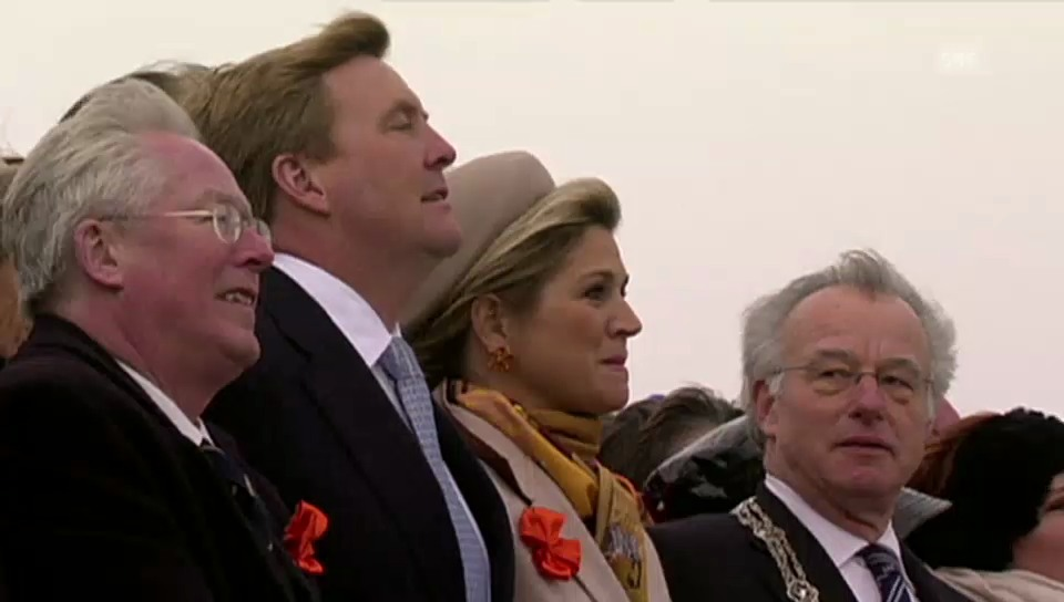 König Willem-Alexander und Königin Máxima beim historischen Spektakel