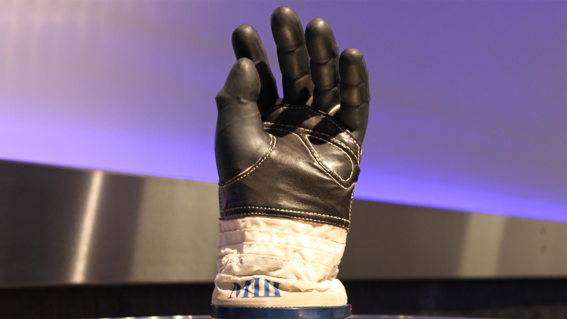 Weltall-Woche Tag 1: Der Astronautenhandschuh