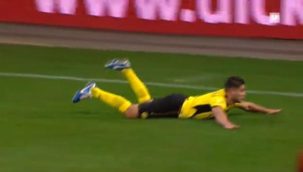 Video «EL,YB - Udinese: Das 2:0 durch Bobadilla» abspielen